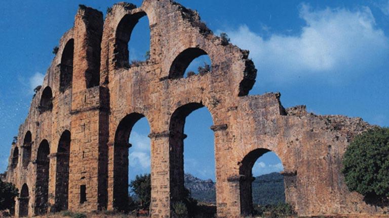 آثار باستانی آنتالیا