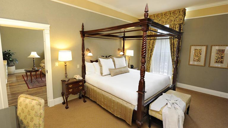 هتل الد میل تورنتو