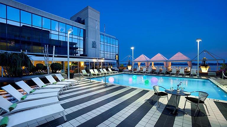 هتل ردیسون ادمیرال هاربور فرانت تورنتو