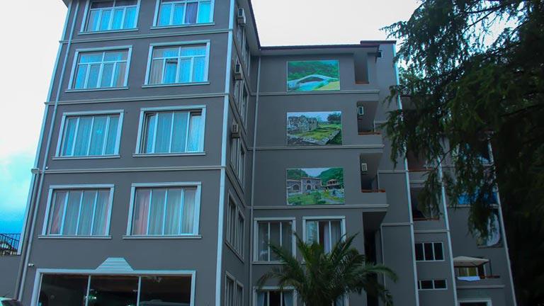 هتل هولوس کسل باتومی