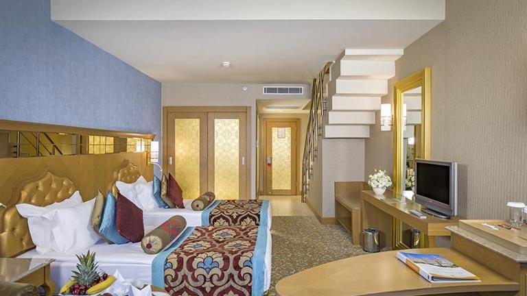 هتل رویال هالیدی پلاس آنتالیا