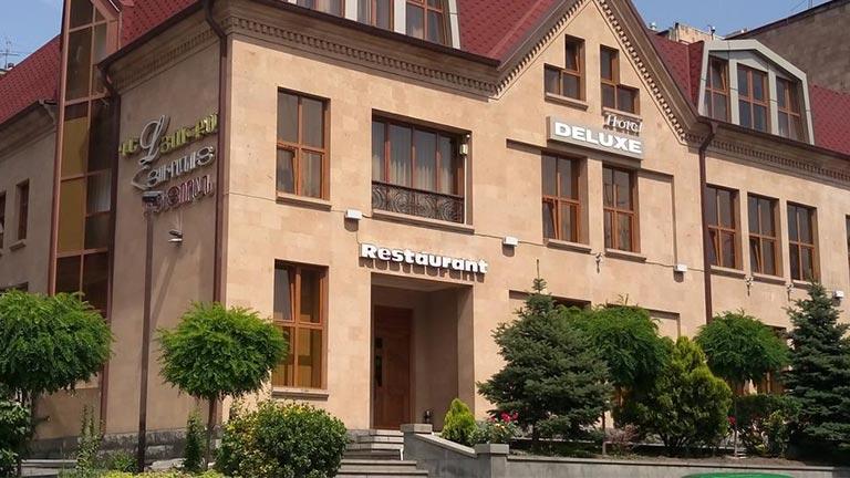 هتل ایروان دلوکس
