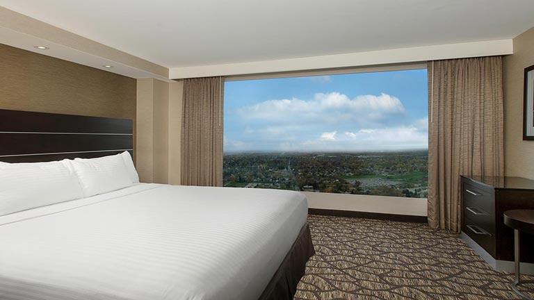 هتل امبسی سوییتس هیلتون نیاگارا