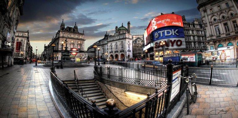 فلکه ی پیکدیلی لندن