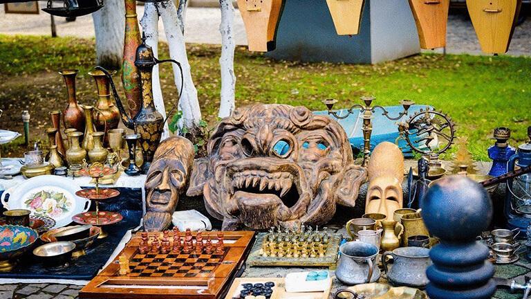 بازار درای بریج در تفلیس
