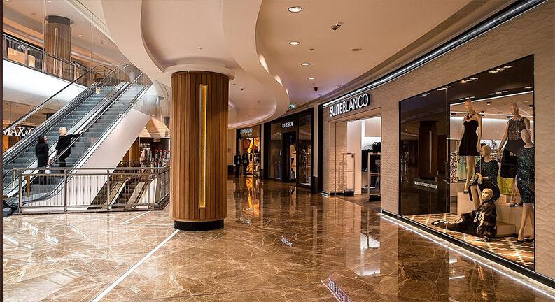 طبقه اول مرکز پورت باکو