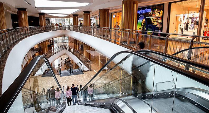 امکانات مرکز خرید پورت باکو