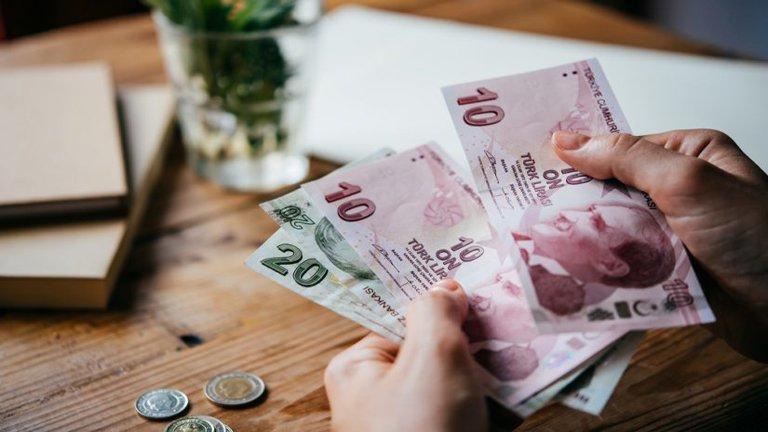 لیر یا دلار در سفر به ترکیه