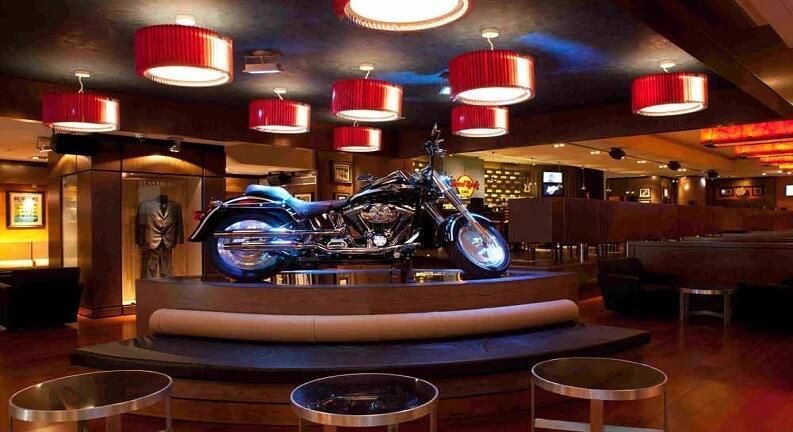رستوران های اطراف بلوار ساحلی باکو