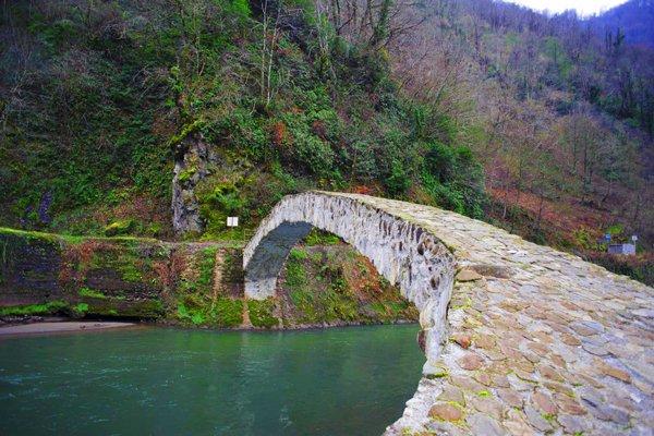 پل ماخونتسی گرجستان