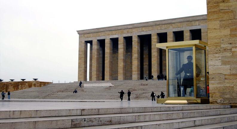 موزه و آرامگاه آتاتورک آنکارا