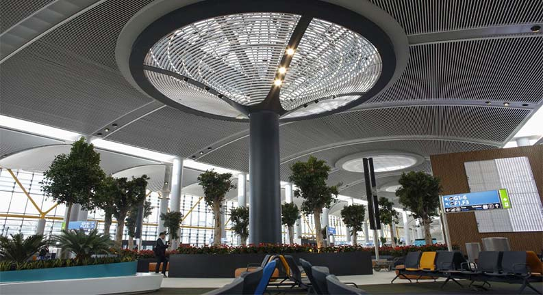 سقف ترمینال مرکزی فرودگاه بین المللی استانبول