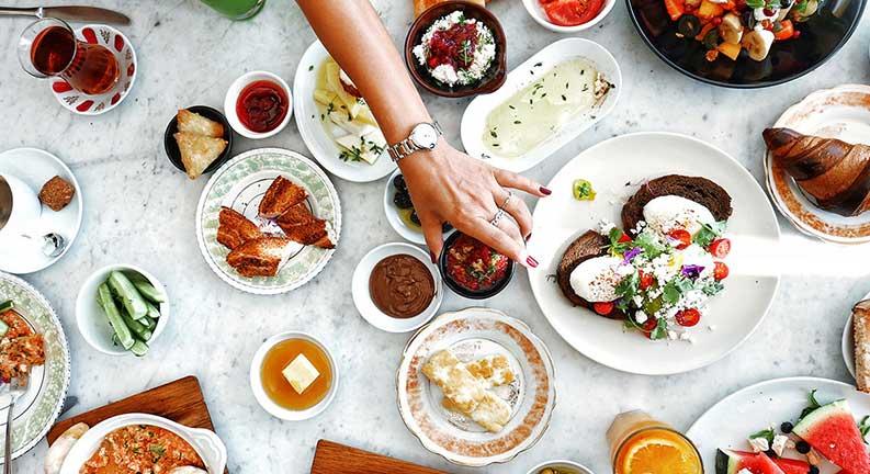 بهترین رستوران های میدان تکسیم