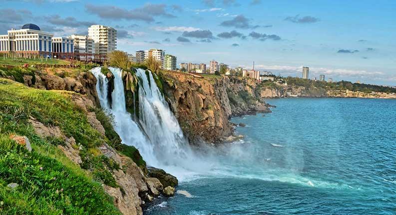 آبشار دودن آنتالیا خواهرهای دورافتاده از هم