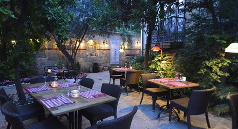 رستوران ال ویسینو پیزاریا آنتالیا ترکیه (Il Vicino Pizzaria)