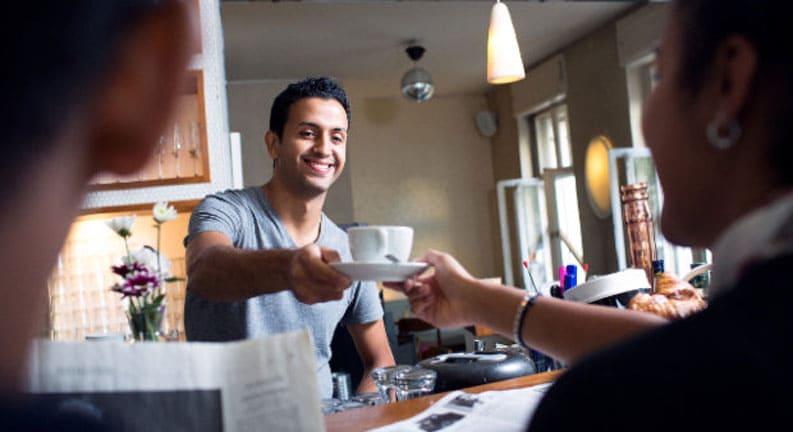 کار-در-رستوران-و-کافه-ها