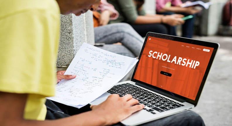 ویزای-تحصیلی-انگلستان-به-همراه-بورسیه